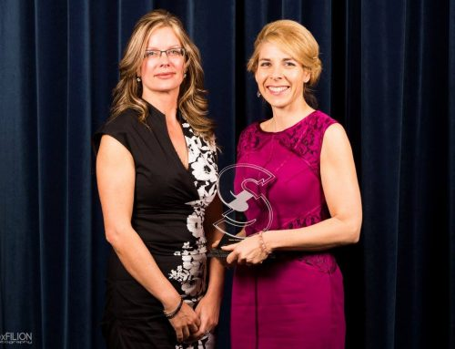 Lisa Lounsbury receives BPW Award